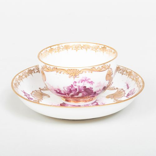 Meissen Puce Decorated Porcelain Teabowl and Saucer