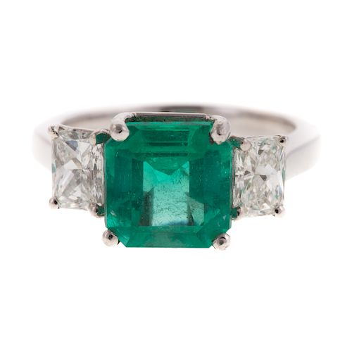 A Ladies Emerald & DIamond Ring in Platinum