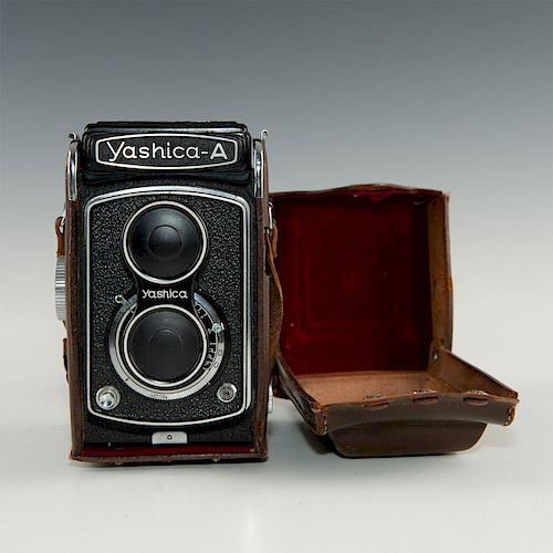 VINTAGE YASHICA-A TLR CAMERA WITH CASE