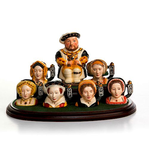 7 DOULTON HENRY VIII & WIVES TINY CHARACTER JUGS W. STAND