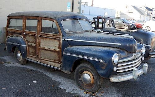 1948 Ford Super Deluxe V8 Woodie Wagon