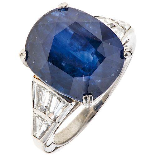 SAPPHIRE GIA CERTIFICATE AND DIAMONDS RING. PLATINUM