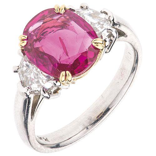 RUBI GIA CERTIFICATE AND DIAMONDS RING. PLATINUM
