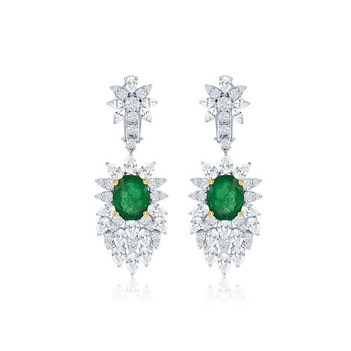 ELEGANT EMERALD AND DIAMOND EARRING
