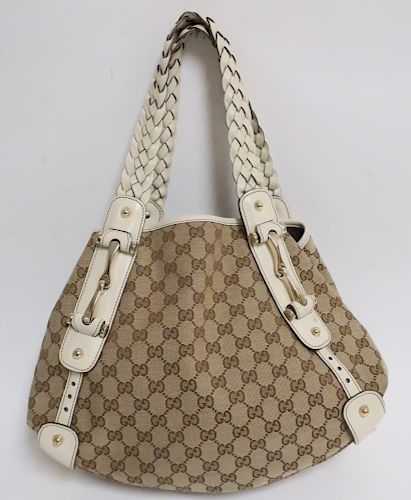 Gucci Pelham Shoulderbag