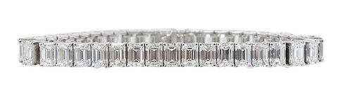 Ladies Platinum 21.00ct Emerald Cut Bracelet