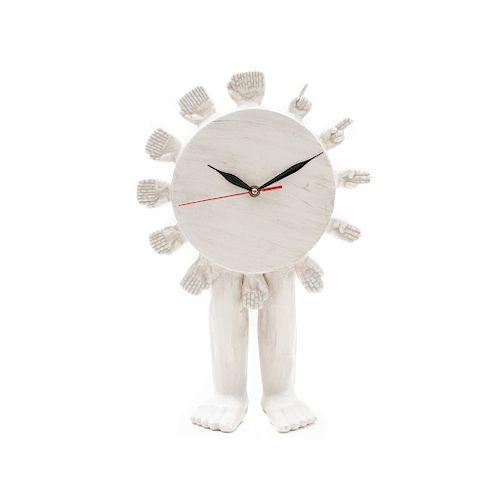 Pedro Friedeberg. Reloj. Firmado. Elaborado en cerámica blanca, acabado marmoleado. Movimiento de cuarzo.