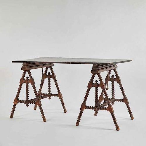 ARTIST‰ÛªS TABLE