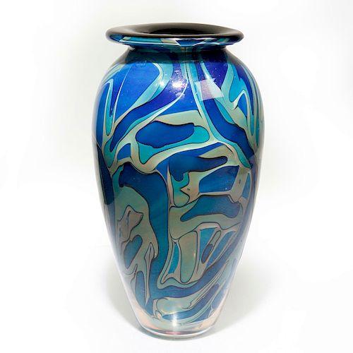 CONTEMPORARY AMERICAN ART GLASS VASE