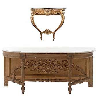 Lote de 2 mesas consola. SXX. En talla de madera dorada. Con cubiertas irregulares de mármol. 70 x 170 x 42 cm. (mayor)