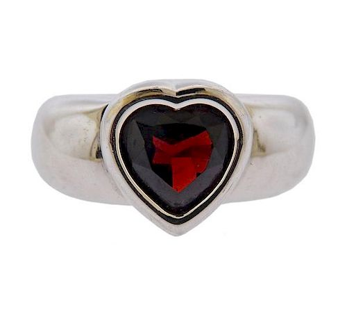 Piaget 18K Gold Garnet Heart Ring