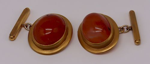 JEWELRY. Pair of 18kt Gold and Carnelian Cufflinks