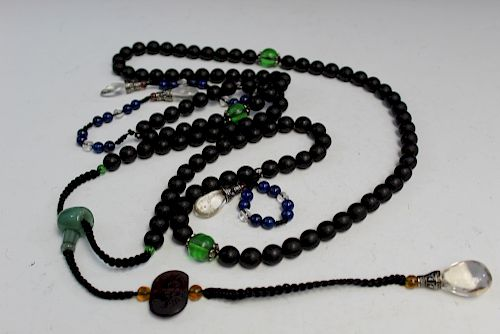 Chinese zitan wood beads court necklace.