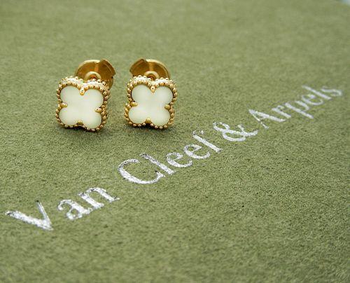 Van Cleef & Arpels Sweet Alhambra 18k Mother of Pearl