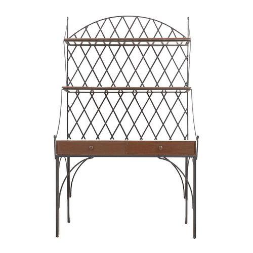 Aparador. Siglo XX. En talla de madera y estructura de metal. Con 2 entrepaños, cubierta rectangular y 2 cajones. 208 x 124 x 61 cm.