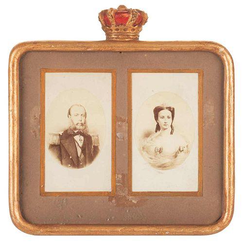 Portraits of Maximilian I of México and Carlota. Second half of 19th century. 2 Cartes de visite, in mat. Framed.