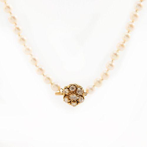 VINTAGE PEARL NECKLACE, 18 KARAT ROSE CUT DIAMOND CLASP
