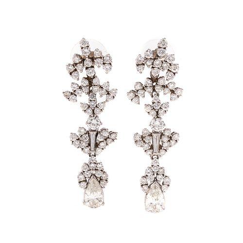A Pair of Stunning Diamond Dangle Earrings in 18K