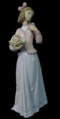 Lladro #7644 Innocence in Bloom Porcelain