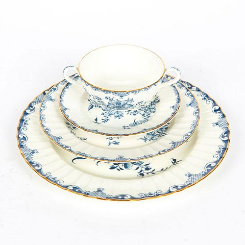 60 PC ROYAL WORCESTER MANSFIELD DINNER SERVICE FOR 12