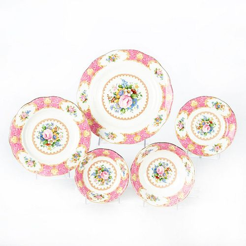 ROYAL ALBERT LADY CARLYLE 5 PIECE DINNER SERVICE FOR 12