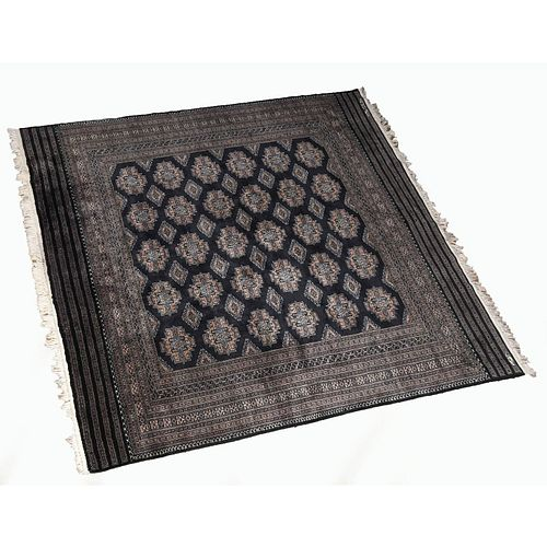 LARGE ORIENTAL STYLE RUG