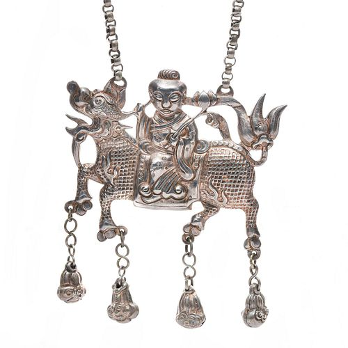 20TH C. CHINESE STERLING SILVER LONGMA PENDANT NECKLACE