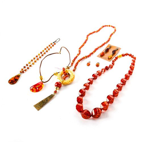 AMBER AND CORAL NECKLACE AND EARRING SET