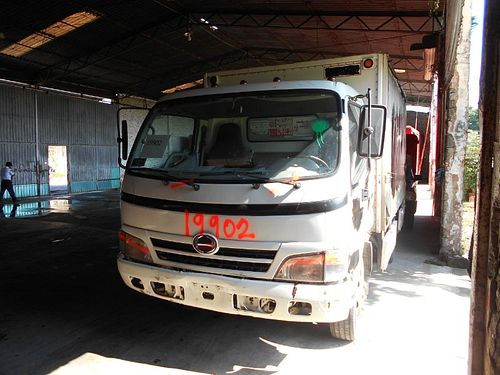 Camión Hino 816 2011