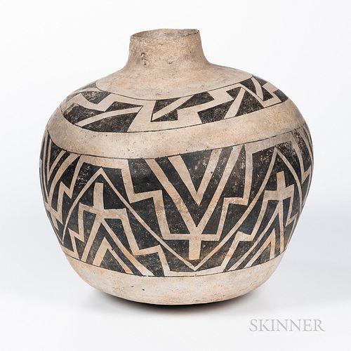 Large Anasazi Water Jar