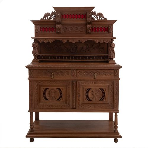 Aparador. Francia. Siglo XX. Estilo Bretón. En talla de madera de nogal. Con 2 cajones y 2 puertas. 185 x 124 x 50 cm.