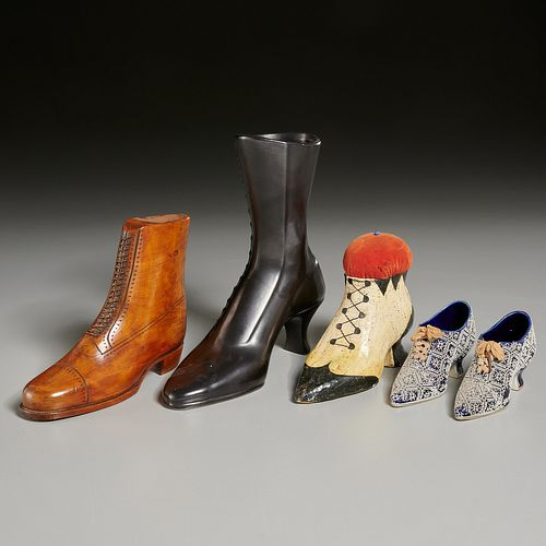 Collection Victorian-style shoe models