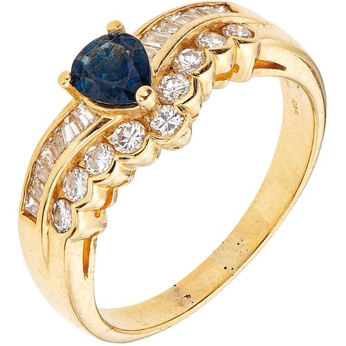 SAPPHIRE AND DIAMONDS RING. 14K YELLOW GOLD