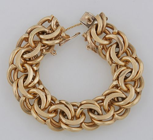 14K Yellow Gold Vintage Circular Link Bracelet, with a safety chain, H.- 3/4 in., W.- 6 1/2 in., D.- 1/4 in., Wt.- 3.94 Troy Oz. Pro...