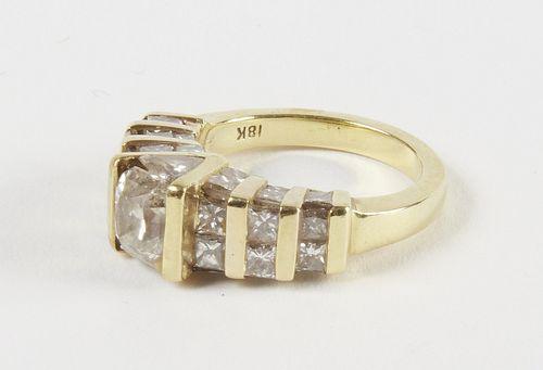 18K Ladies Ring with 35 Diamonds