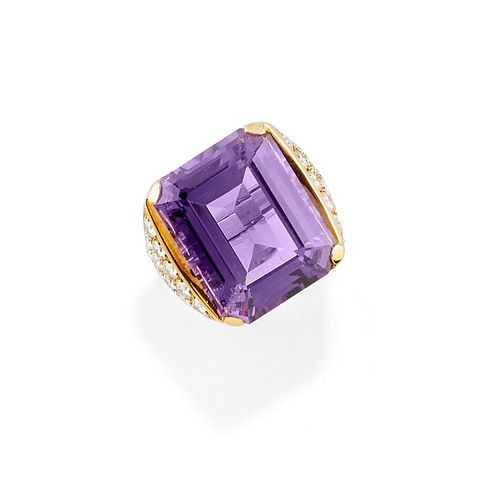 A 18K yellow gold, amethyst and diamond ring