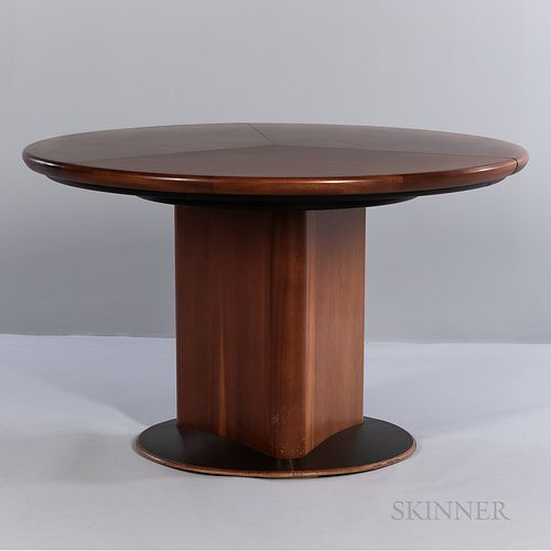 Skovby Møbler Mechanized Dining Table