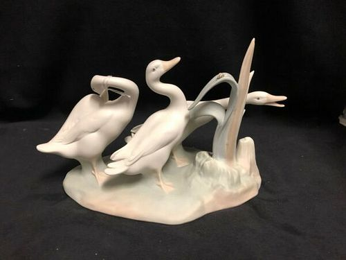 LLADRO GROUP OF GEESE PORCELAIN FIGURINE MADE IN SPAIN