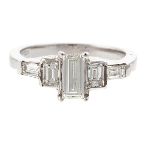 A 1.30 ctw Diamond Engagement Ring in 18K