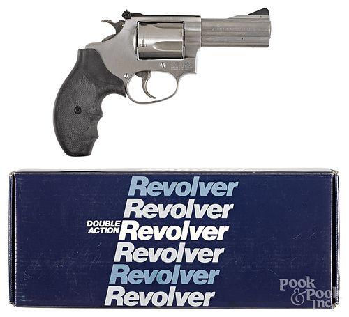 Boxed Smith & Wesson model 60-4 revolver