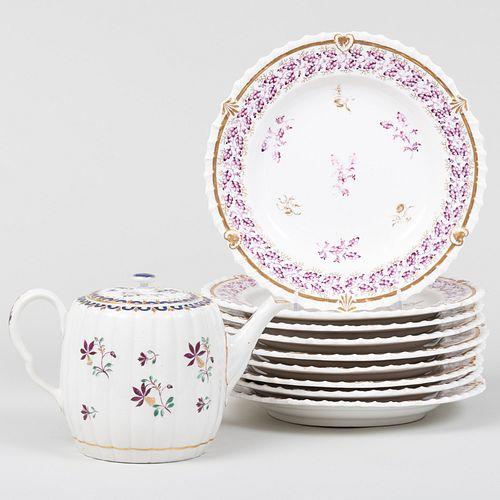 Worcester Porcelain Teapot and Set of Nine English Creamware Dessert Plates