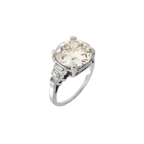 GIA Diamond and Platinum Ring