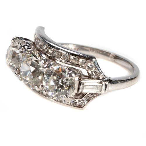 Vintage diamond and platinum ring