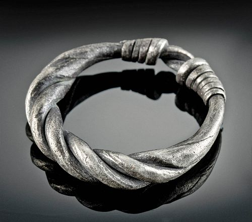 Viking Silver Ring w/ Twisted Design - 8.1 g