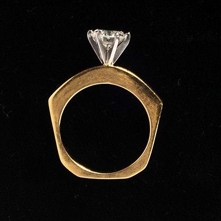 18 kt Lady's 1.55 Carat Diamond Engagement Ring