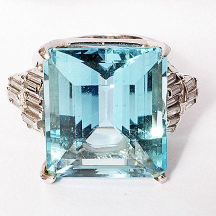 Lady's  25.87 carat Aquamarine and Diamond  Ring