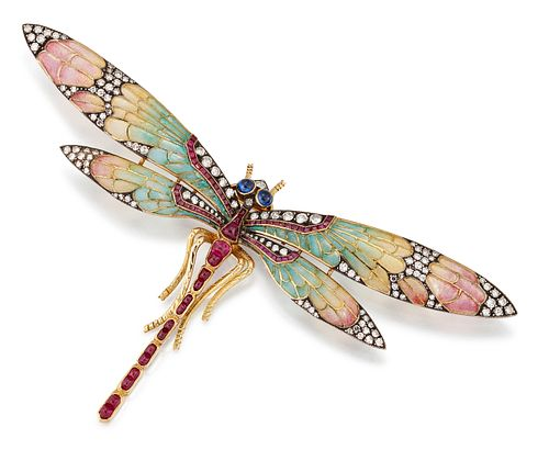 AN EARLY 20TH CENTURY PLIQUE-A-JOUR AND GEMSET DRAGONFLY BROOCH, the natura