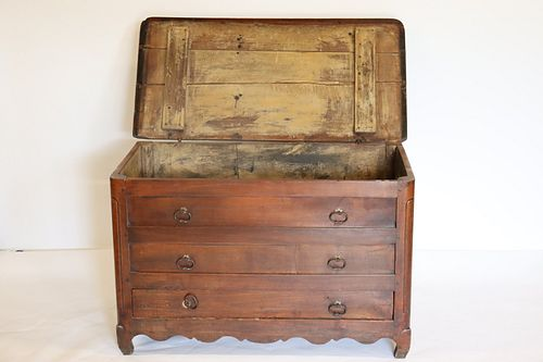 18th / 19th Century Lift Top 1 Drawer Trunk