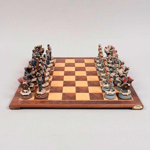Juego de ajedrez Civil War, Yankees del Norte VS Rebeldes del Sur. EUA, siglo XX. En resina con policromía de la marca Oak Ent.