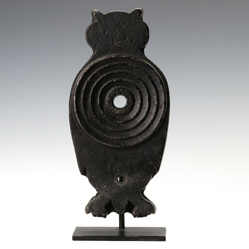 AN EARLY 20TH C. CAST IRON OWL SHOOTING GALLERY TARGET